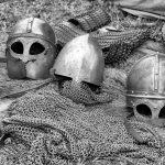 Det är först i efterhand vi får svaret om vallgraven var tillräcklig för att hålla fienden på avstånd.